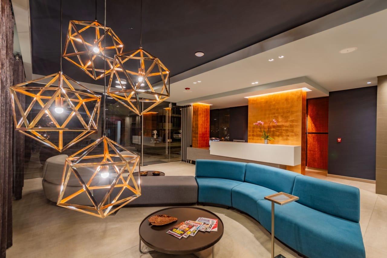 Lobby Hotel Facile