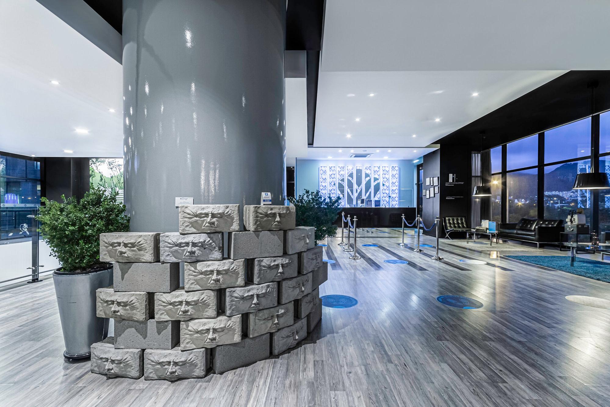 Lobby Hotel Wyndham Bogota